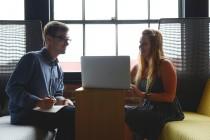 Pokreti tela na razgovoru za posao: Ovo izbegavajte!