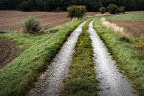 Potpisani ugovori o uređenju 860 kilometara atarskih puteva